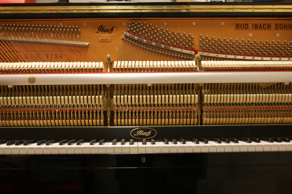 Piano IBACH D-126